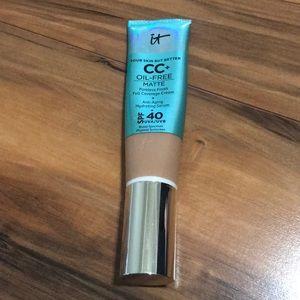 It Cosmetics CC oil free